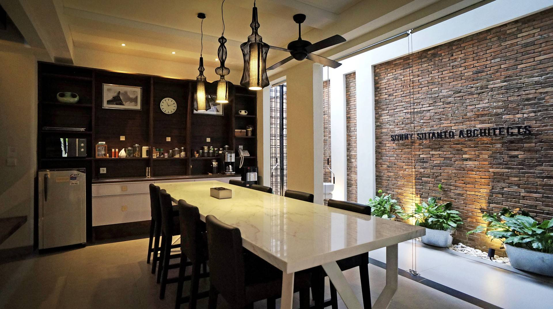 office in dining room. Photo Dining Area Sonny Sutanto Architects New Office 11 Desain Arsitek Oleh In Room E