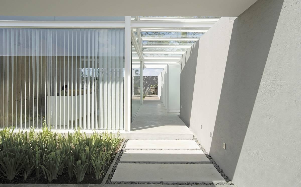 Antony Liu + Ferry Ridwan / Studio Tonton Kp House & Studio Bali  Bali  Terrace Modern  8086