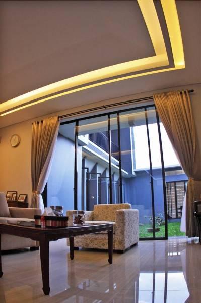 Foto inspirasi ide desain atap industrial Interior ceiling oleh PHIDIAS INDONESIA di Arsitag