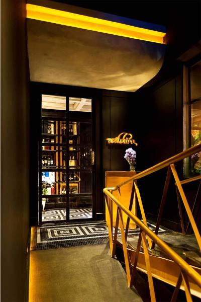 Foto inspirasi ide desain restoran Wilshire oleh leo einstein fransiscus di Arsitag