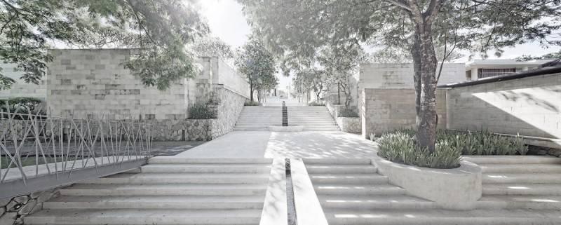 Foto inspirasi ide desain tangga modern The bale hotel oleh Antony Liu + Ferry Ridwan / Studio TonTon di Arsitag