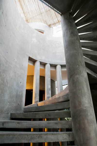 Foto inspirasi ide desain tangga modern Stairs oleh IMAGO DESIGN STUDIO di Arsitag