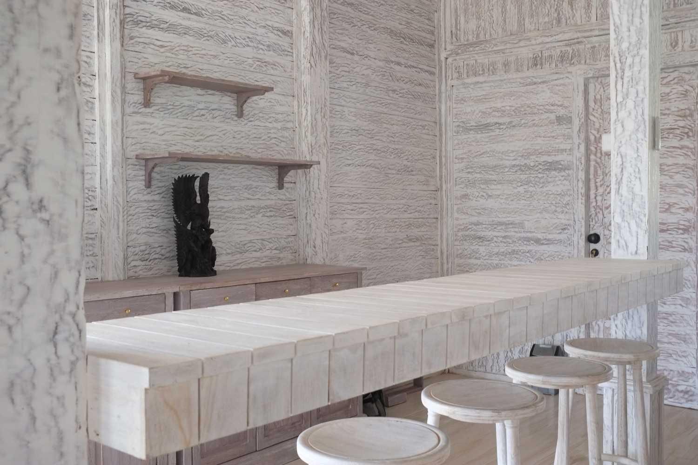Foto inspirasi ide desain ruang makan klasik Dscf7622 oleh iugo design di Arsitag