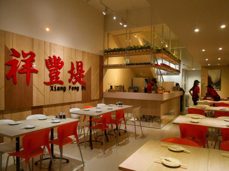 Foto inspirasi ide desain restoran asian 002-lr-2 oleh Studio Tektonik di Arsitag